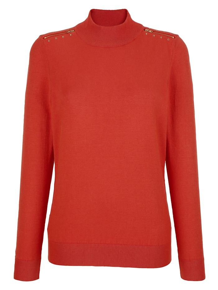 Pullover mit dekorativer Schulterpasse
