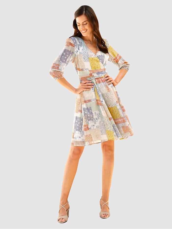 Kleid in Patchwork Druckdessin