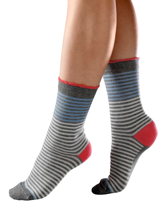 Naisten sukat