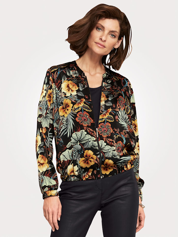 Blouson with an eye-catching floral print