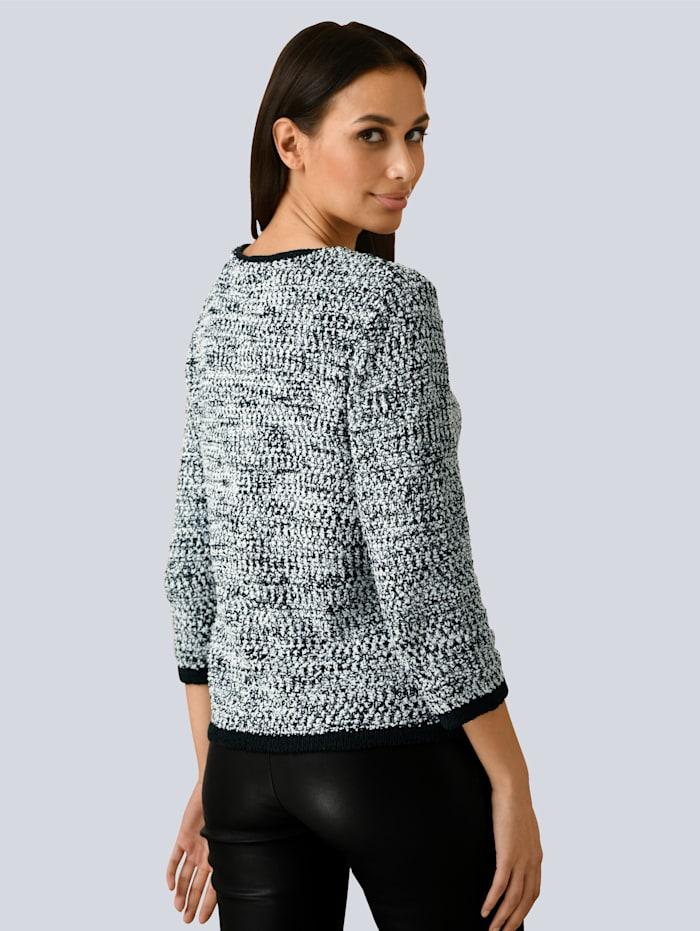 Pullover mit dezentem Glanzgarn verarbeitet