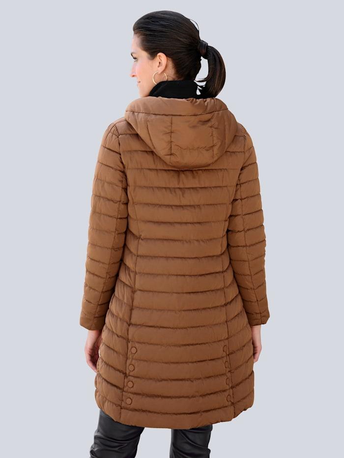 Doorgestikte jas met hoogwaardige details