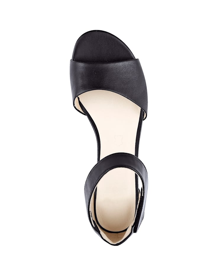 Sandal with Walking On Air leather insole