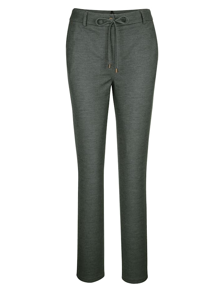 Trousers with an easy tie waist