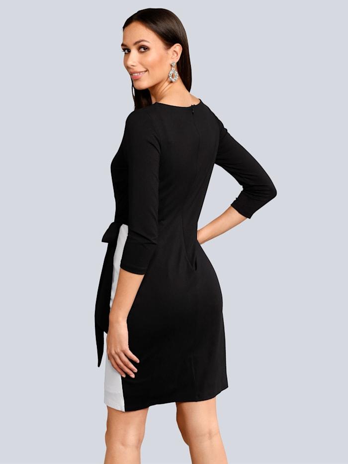 Kietaisutyylinen mekko