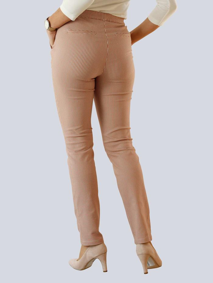 Nohavice s úzkymi strihom