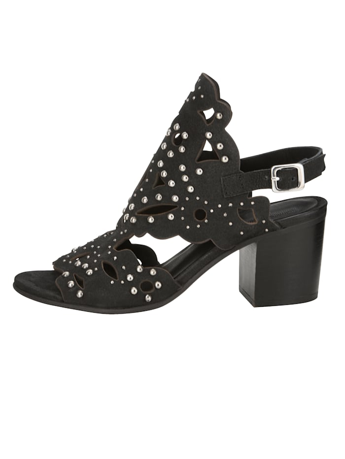 Sandale mit großzügiger Nieten-Verzierung