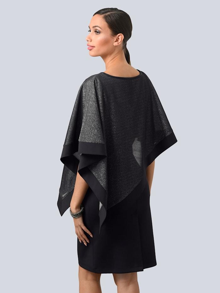 Kleid mit asymmetrischem Layer