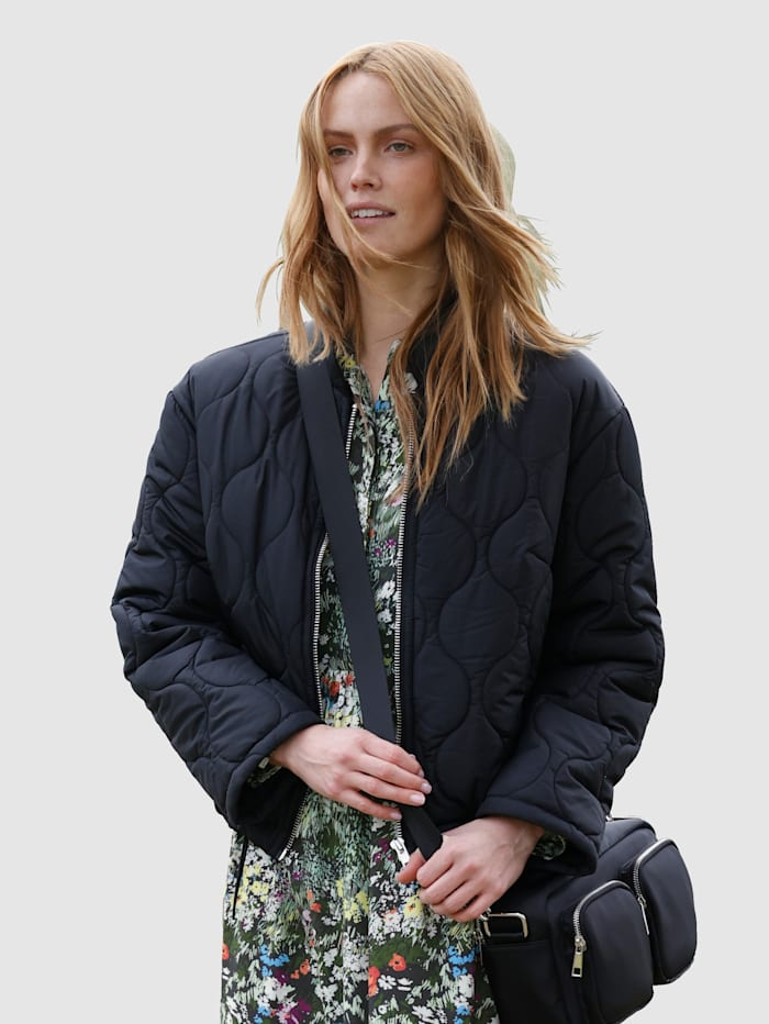 Laura Kent Gewatteerde jas met trendy stiksels, Zwart