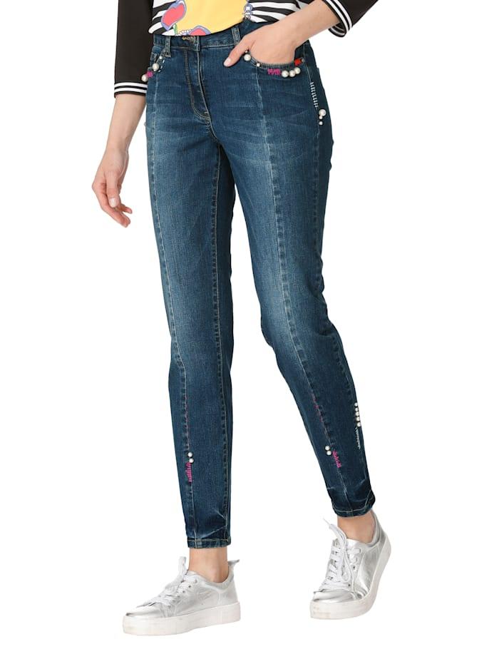 Jeans mit Stickerei und Perlendekoration