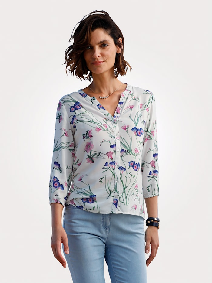 Blouse made from a soft, flowing fabric