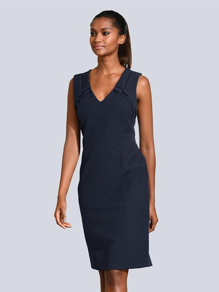 Kleid mit Faltendetail