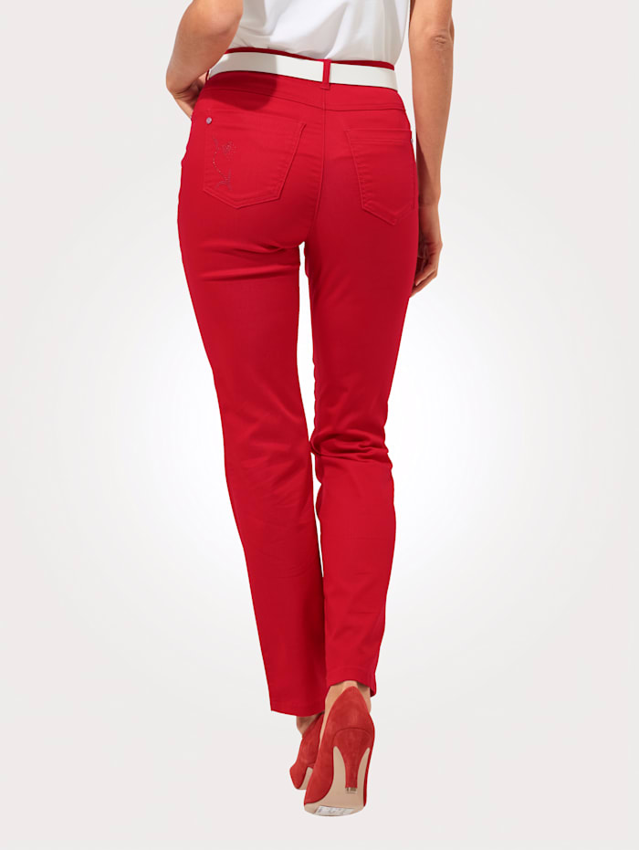 Relaxed by Toni Pantalon, Rouge