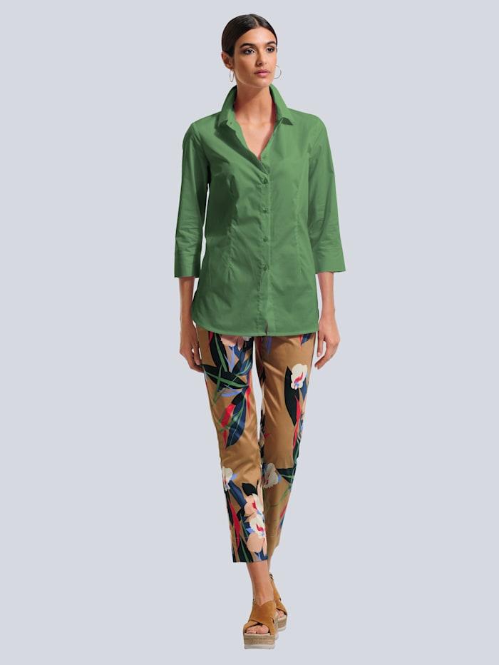 Nohavice s kvetinovým vzorom