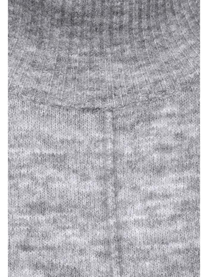 Kuscheliges Strick-Kleid