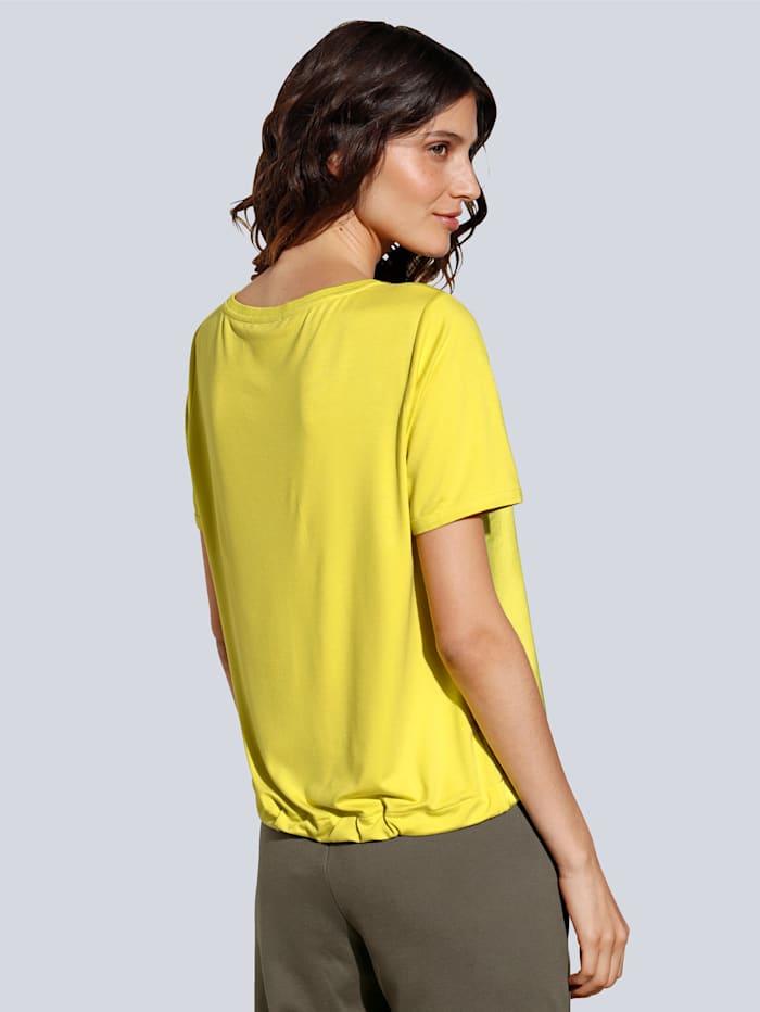 T-Shirt in leuchtender Farbe