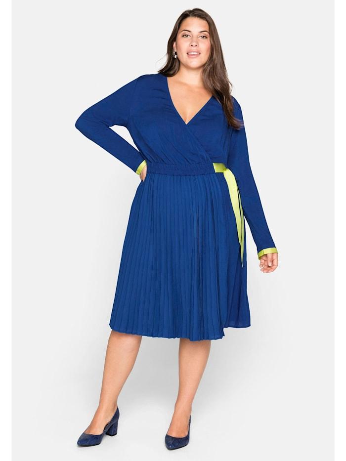 Sheego Sheego Kleid mit Plisseefalten und Kontrastdetails, royalblau
