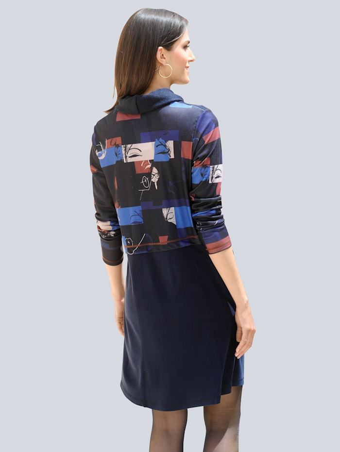 Kleid in modischer Patch-Optik