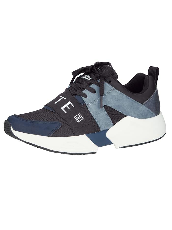 Sneaker mit Mesh-Einsätzen