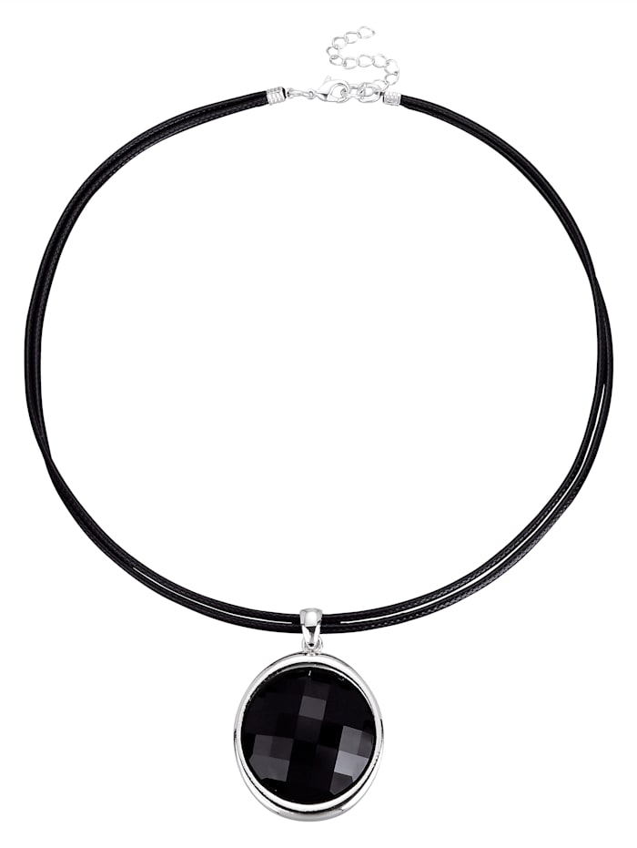 Necklace with eye-catching pendant