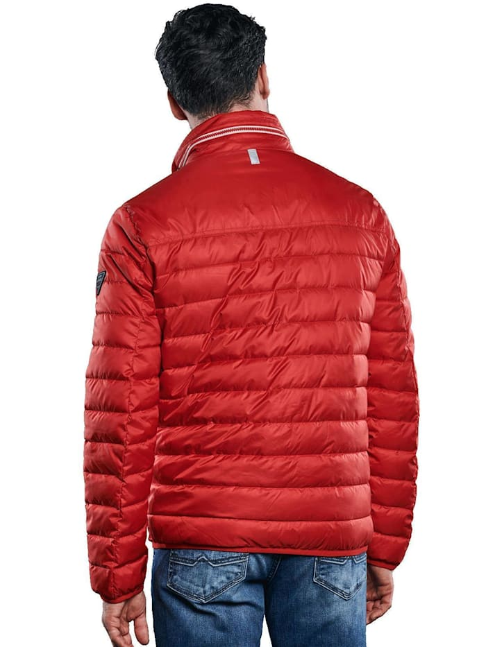 Funktionale Outdoor-Jacke in Trendfarbe