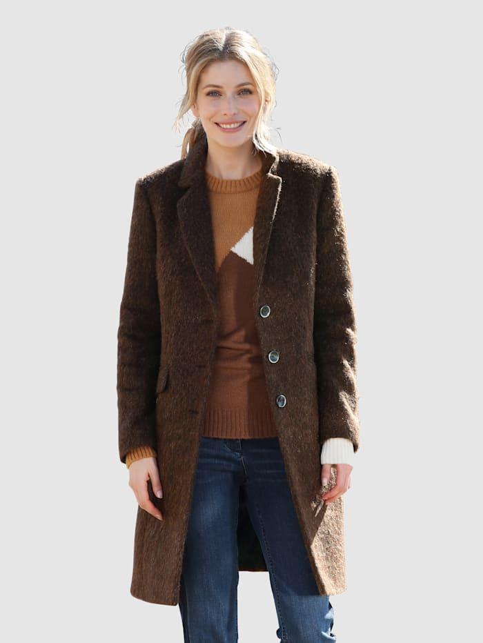 Laura Kent Jas met wol, Lichtbruin