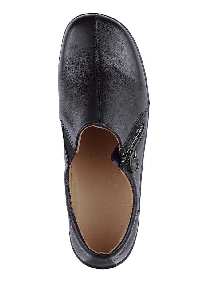 Erittäin leveälestiset kengät