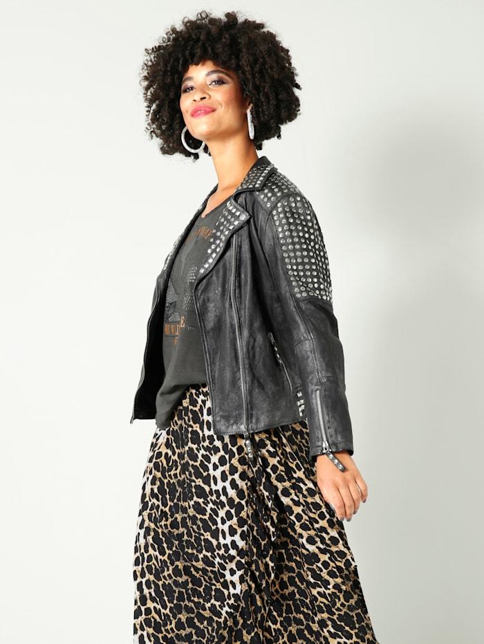 Kožená bunda s nýty na límci, ramenou a rukávech