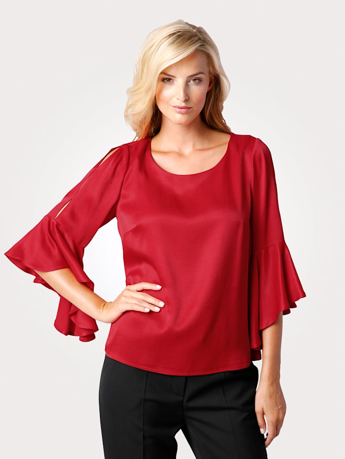 Pull-on blouse with flounce sleeves
