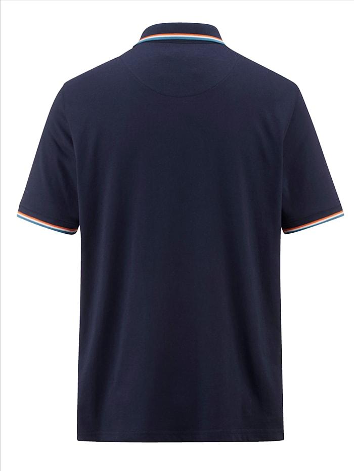 Poloshirt mit auffallenden Kontrasten