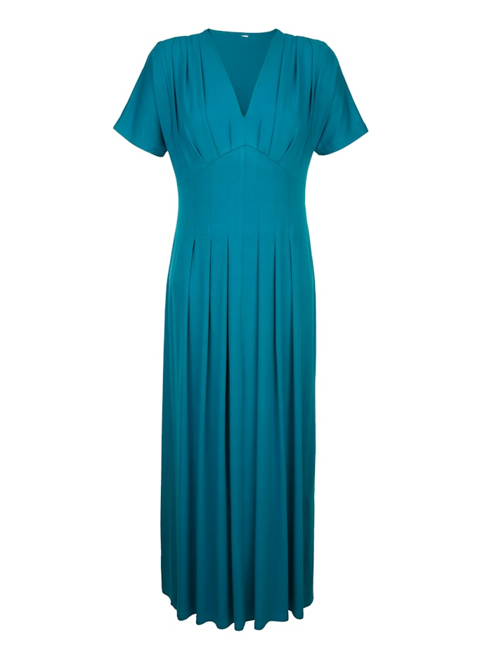 Beach dress in a longline silhouette
