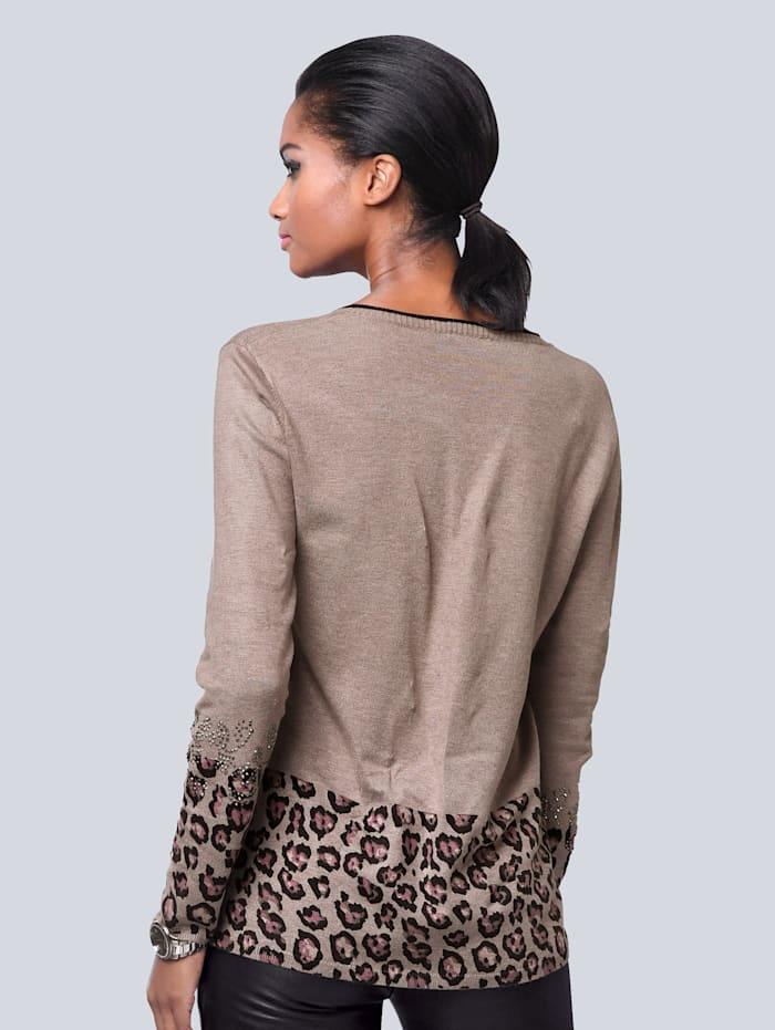 Pullover mit schönem Leodruck am Saum