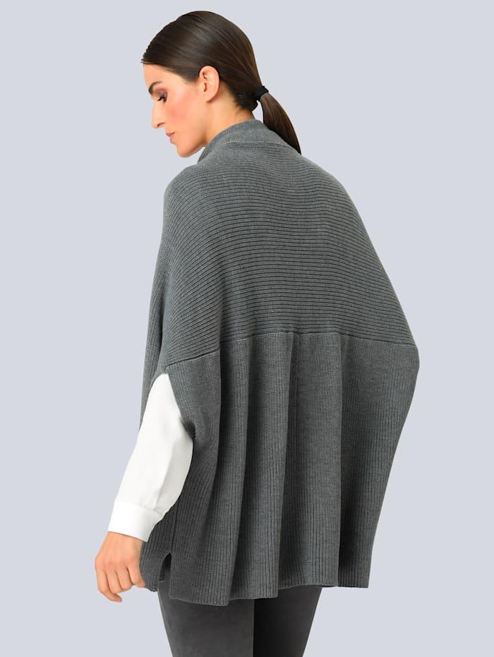 Strikkejakke i cape-modell