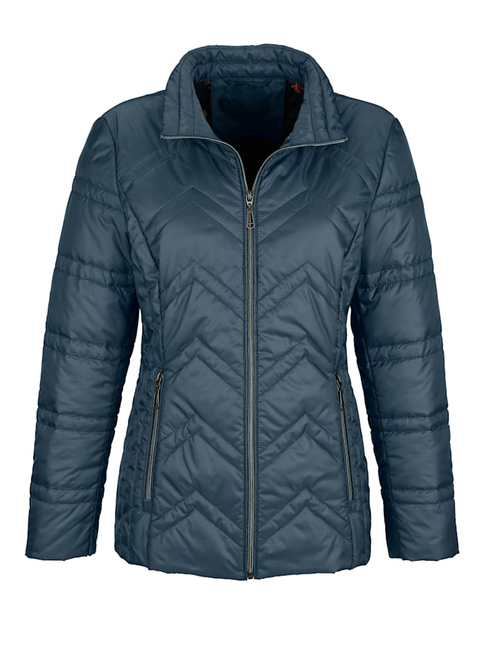 Quilted jacket with chevron quilting