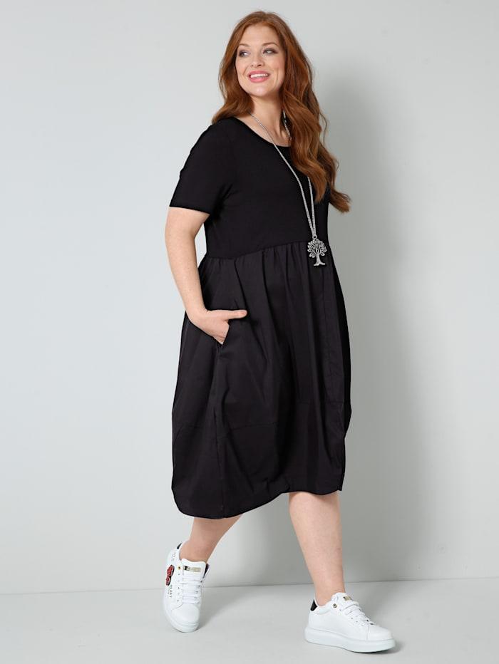 Sara Lindholm Kleid in modischer Form, Schwarz