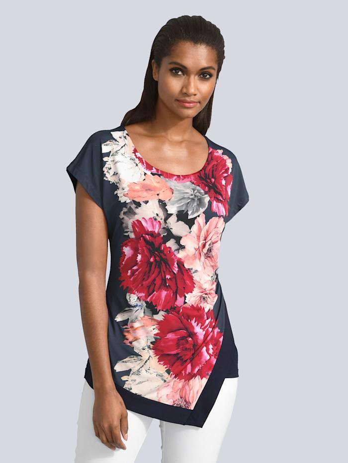 Shirt mit asymmetrischem Vorderteil