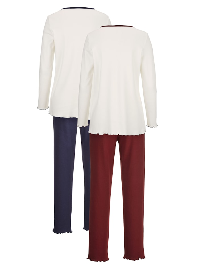 Pyžama s pekným vzorom potlače
