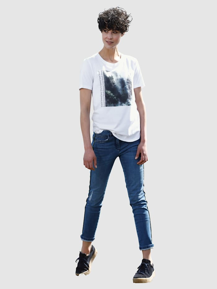Jeans med fine sidedetaljer