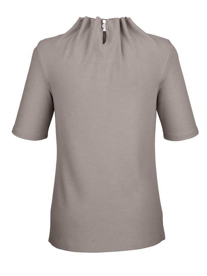 Shirt mit interessanter Kragenlösung