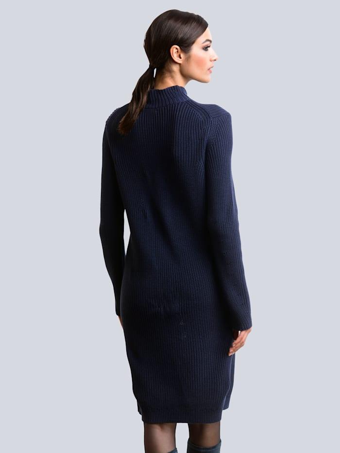 Kleid in Patentstrick