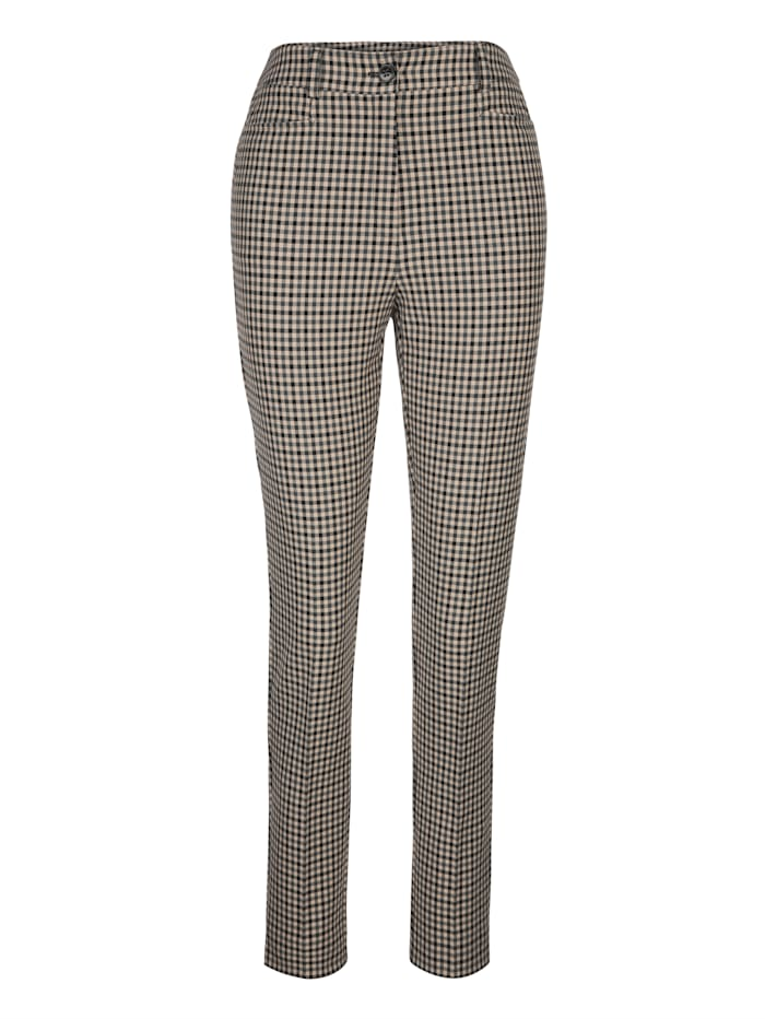 Trousers in a timeless check pattern