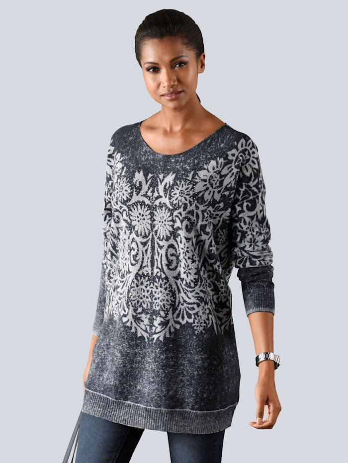 Pullover in längerer und etwas weiterer Form