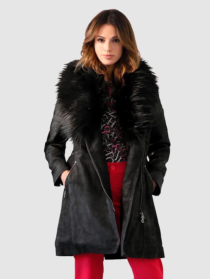 Manteau en cuir avec col en fausse fourrure amovible