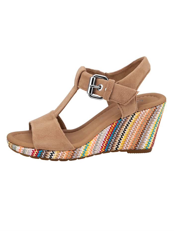 Sandaaltje met verstelbaar T-riempje op de wreef