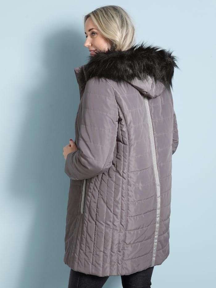Doorgestikte mantel met contrastkleurig imitatiebont