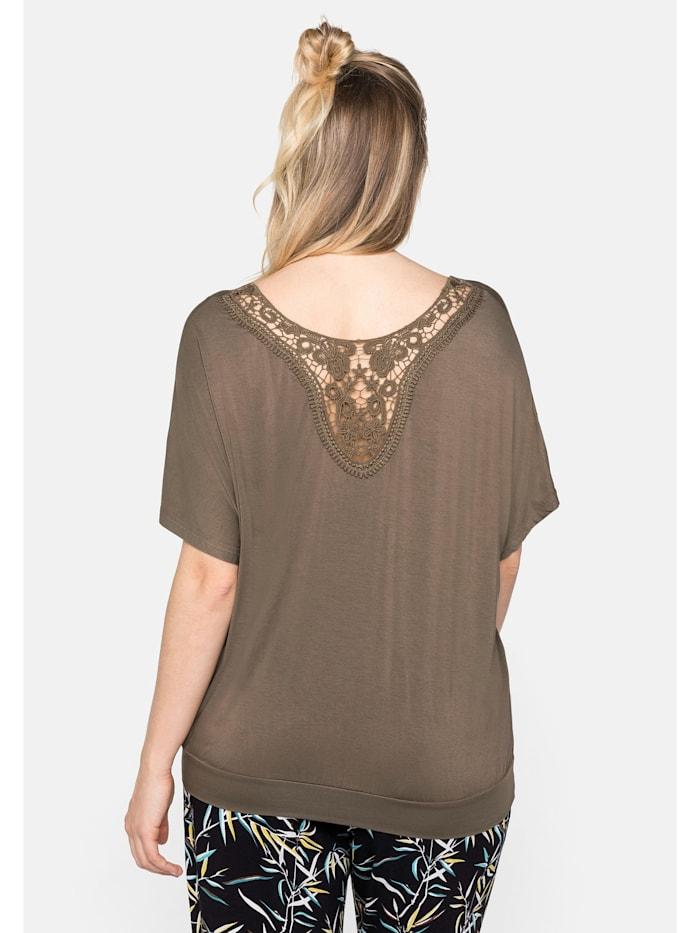 Strandshirt in legerer Form mit Häkeleinsatz