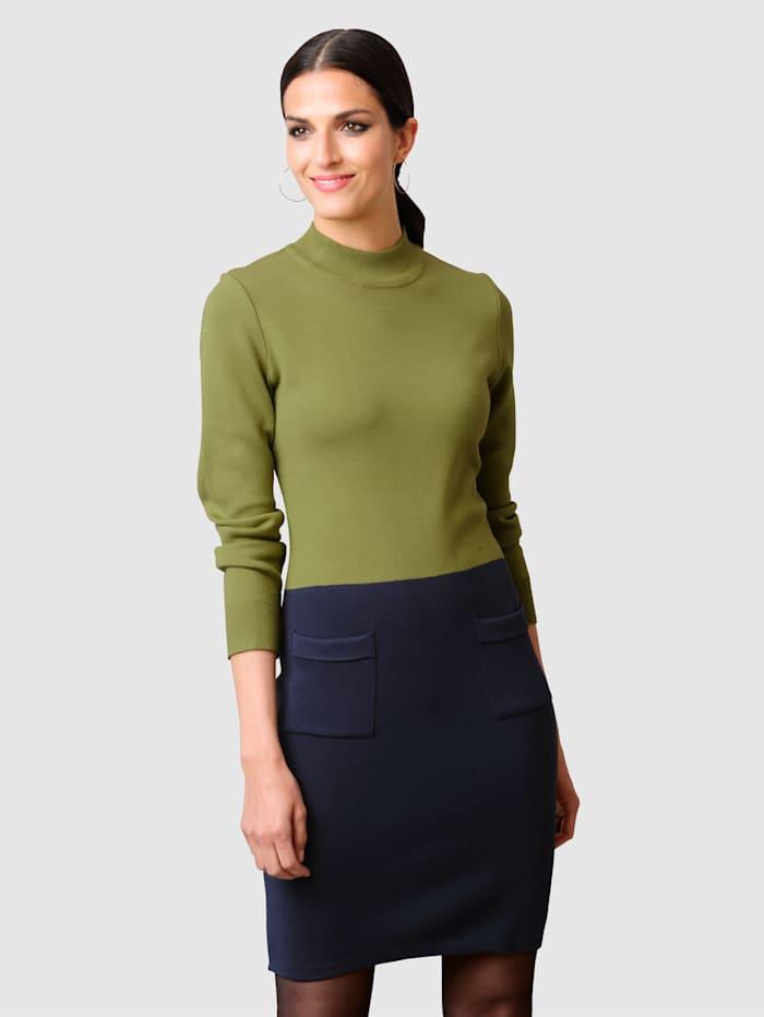 Alba Moda Strickkleid in effektvoller Zweifarbigkeit, Grün/Marineblau