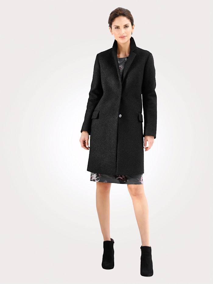 Kabát z buklé kvality