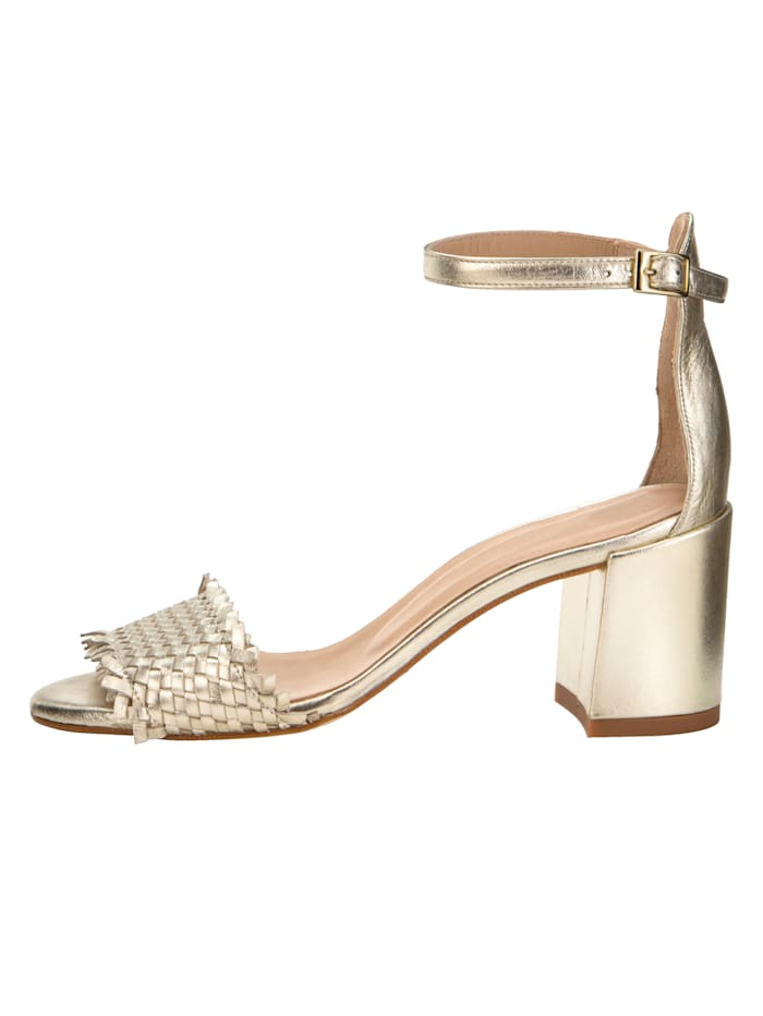 Sandale aus glanzvollem Perlatoleder