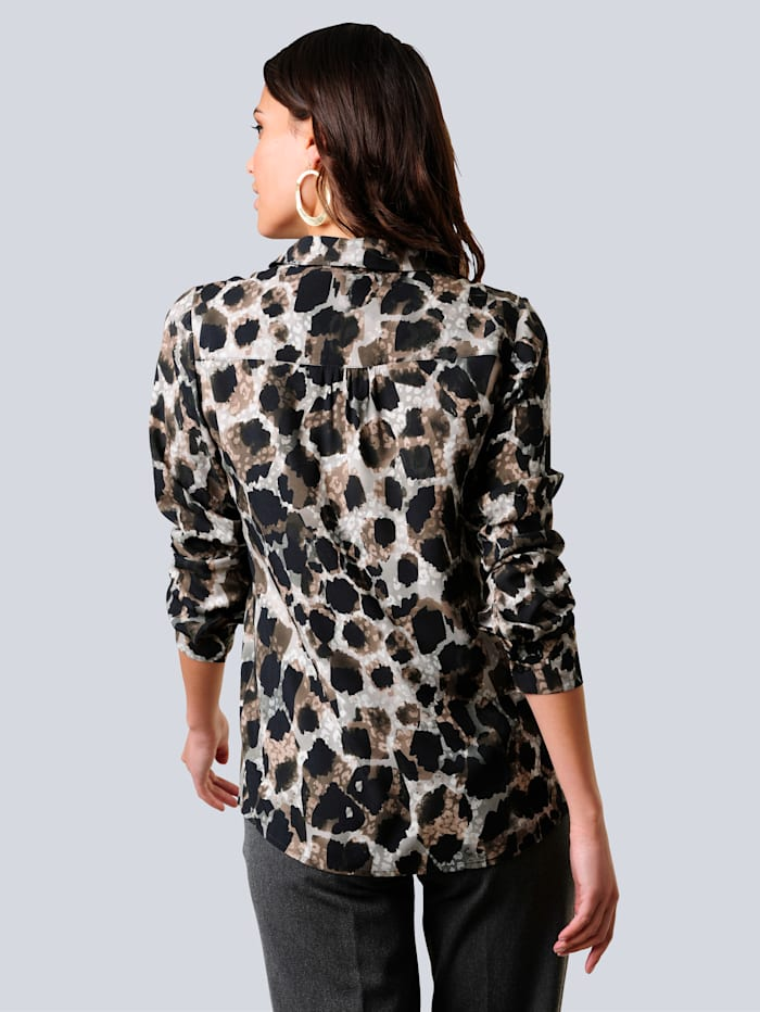 Bluse im angesagten Animal-Dessin allover